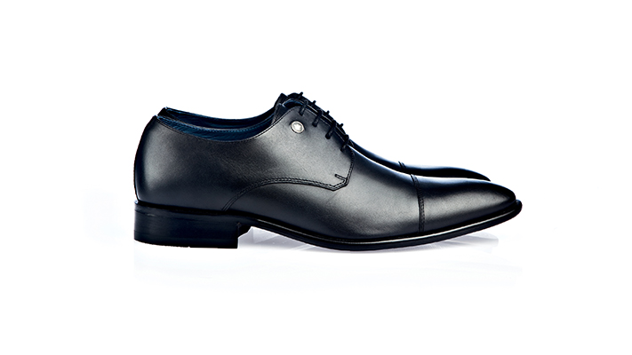 10 wardrobe essentials every man must own oxford shoes