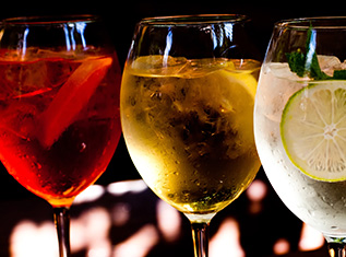 5 simple sparkling cocktail party recipes from chandon india for Best cocktail party menu