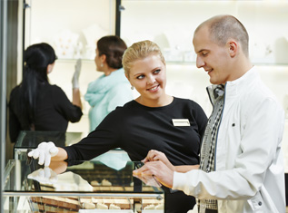 tips to buy mens jewellery