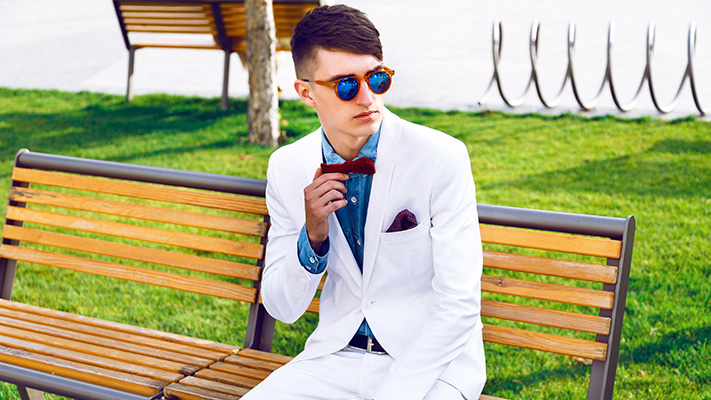 accessories to wear with white suit