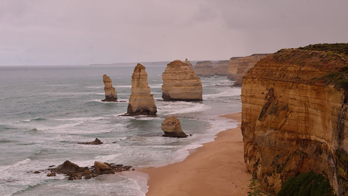 apostles beautiful great ocean road australia
