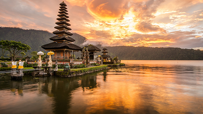 bali indonesian island must visit tourist place