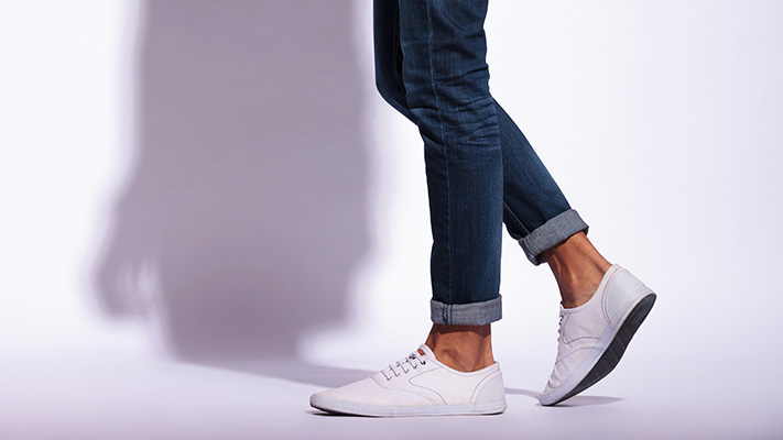 beach holiday thin soled white sneakers