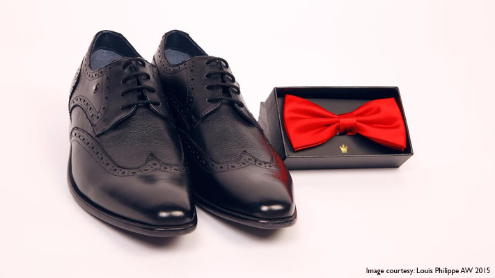 black brogues and red bow tie perfect for yacht party