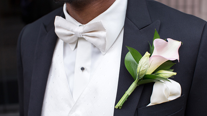 bow tie and boutonniere for white tie dressing