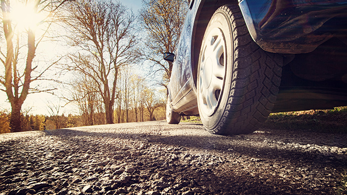 bulges or cracks on tyres indicates a need to change tyres