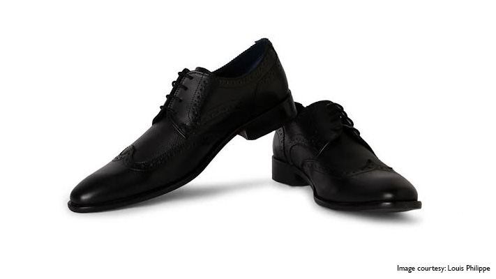 cap toes black formal leather shoes