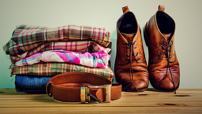 casual accessories to pair with plaid shirt