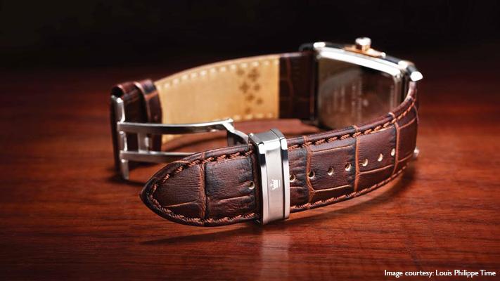 classic leather straps wrist watch