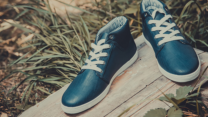 classy sneakers grunge outfit