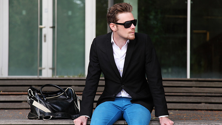 dressing suit without tie casual look