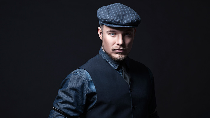 flat cap classic style to wear on denim