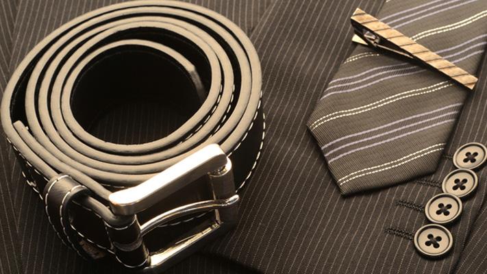 How to Wear Tie Bar