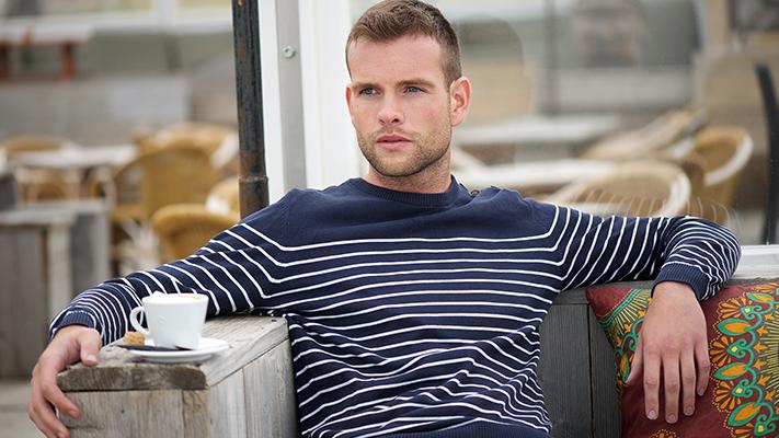 horizontal stripes for skinny man
