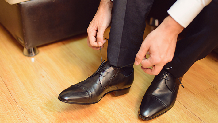 how to buy the right dress shoes