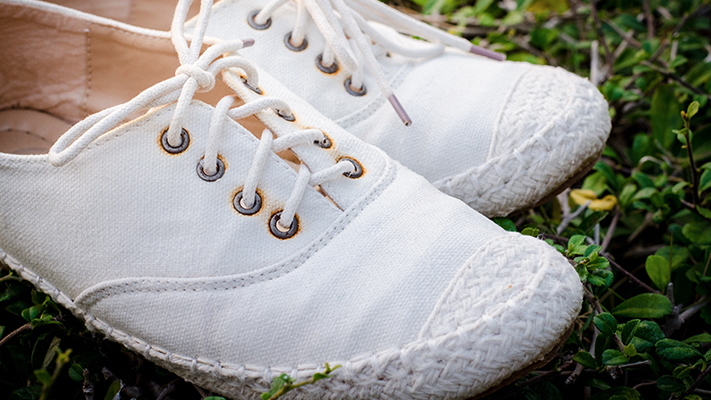 how to take care of white sneakers
