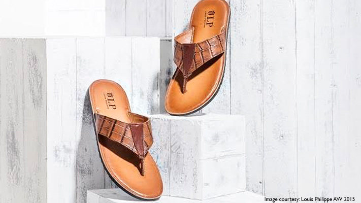 leather sandals to pack for holiday trip