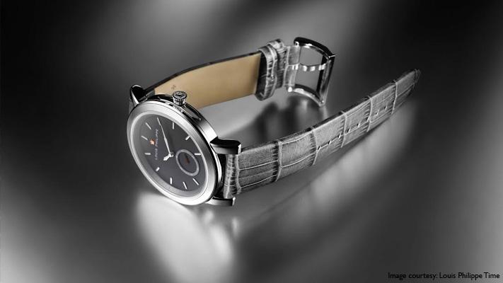 monochrome theme watch