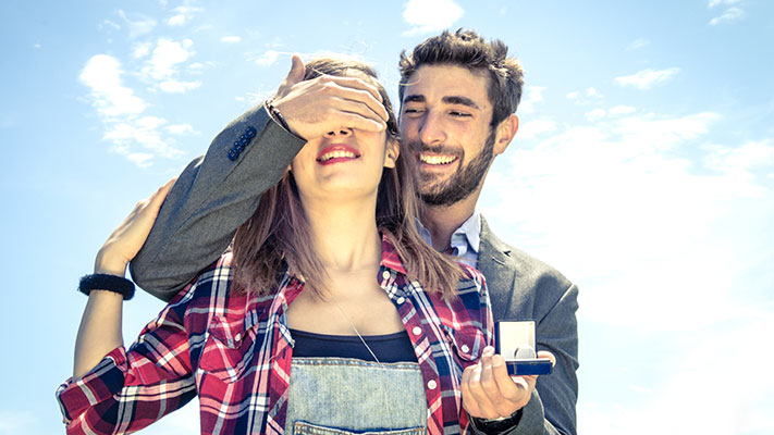 most romantic ways to propose girl