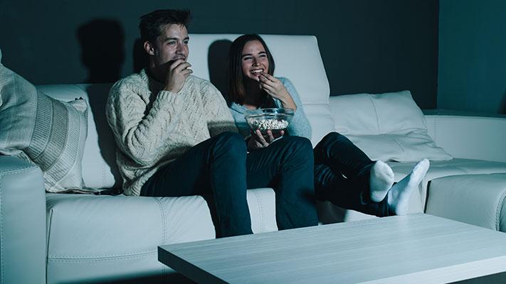 movie night perfect romantic idea propose girl