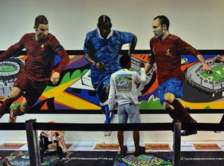 pro-and-anti-world-cup-graffiti-in-brazil
