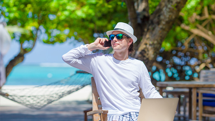 restrict cell phone usage to enjoy most out of your vacation