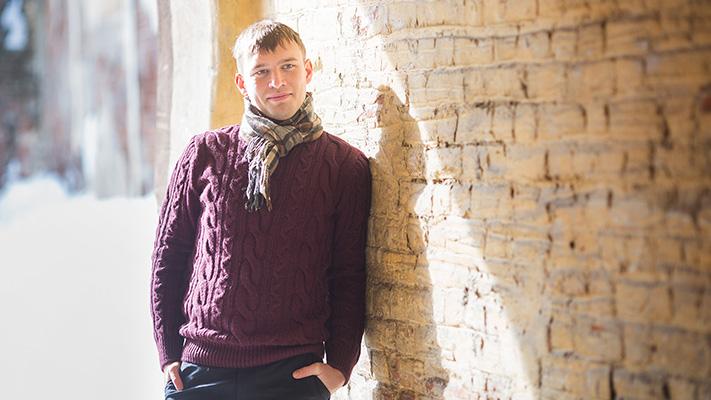 simple bold pattern scarfs for men