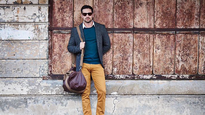 stylish outfits to wear with duffel bags