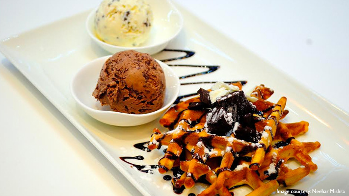swiss chocolate crunchy waffles from movenpick