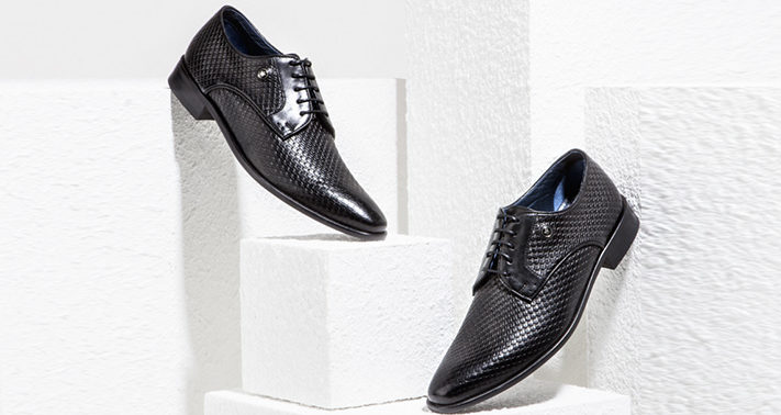 textured-oxford-black-shoes-for-new-years-eve