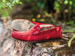 tip-to-style-outfits-with-colourful-loafers