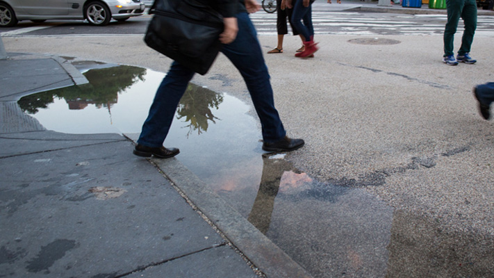 Tips to keep your Feet dry during Monsoon