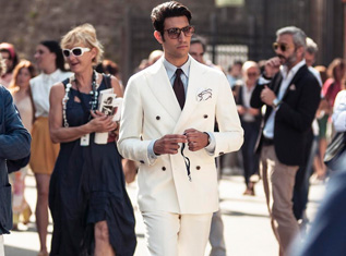 tips-to-sport-a-white-suit-for-men