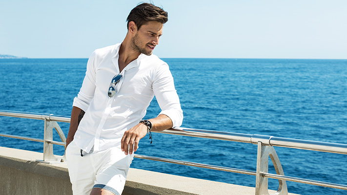white linen shorts summer fashion