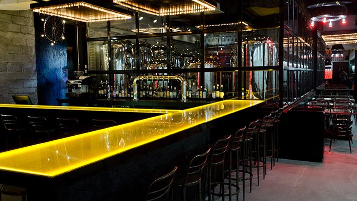 white owl lounge bar mumbai