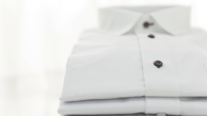 white shirt and blazer summer fashion tips