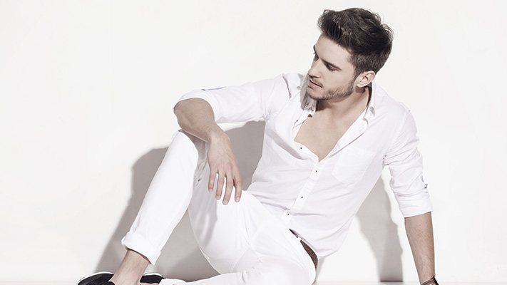 white trouser for casual wear